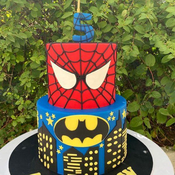 ارسال کیک به ایران – کیک کودکانه – کیک اسپایدرمن – اسپایدرمن – کیک فوندانت – ارسال هدیه به ایران –کیک کودکانه – تولد –هدیه –ارسال هدیه به ایران