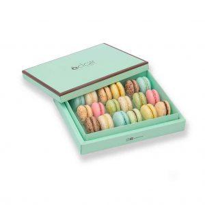 کیک تولد- ارسال هدیه به تهران- ارسال هدیه به ایران- تبریک تولد- ترافل - ارسال شیرینی - ارسال شکلات - جعبه ماکارون